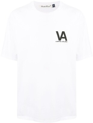 Undercover Vampire Airlines graphic-pint T-Shirt