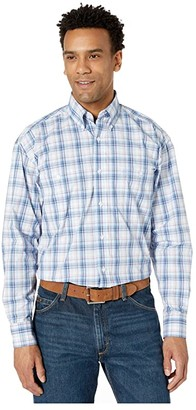 Wrangler George Strait Long Sleeve Two-Pocket Plaid Button (Navy/Magenta) Men's Clothing