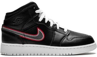Nike Kids TEEN Air Jordan 1 Mid SE sneakers