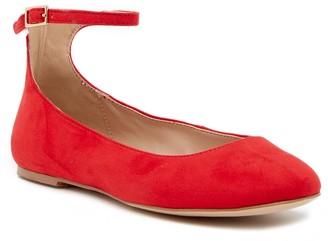 BCBGMAXAZRIA Gwen Ankle Strap Flat