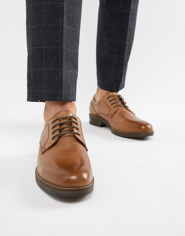 Red Tape Elcot Lace Up Brogue Shoes In