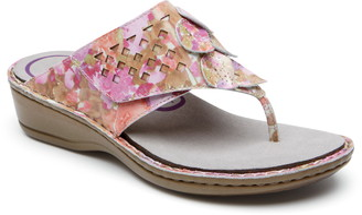 Aravon Cambridge Thong Sandal