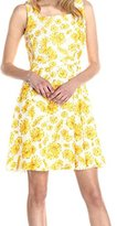Gabby Skye Women's Sleeveless Daisy-Print Dress