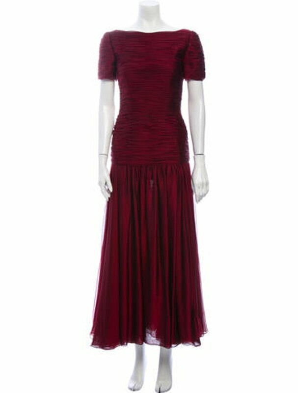 Oscar de la Renta Bateau Neckline Long Dress