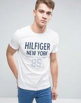 Tommy Hilfiger Karl Ny Logo T-shirt In Regular Fit