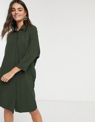 Liquorish shirt dress in khaki