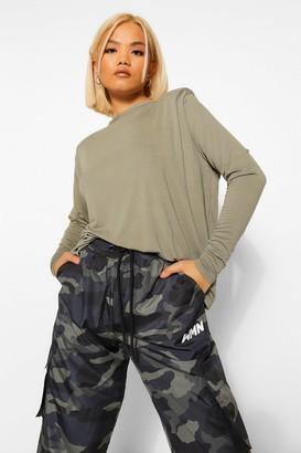 boohoo Petite Long Sleeve Shoulder Pad T-Shirt