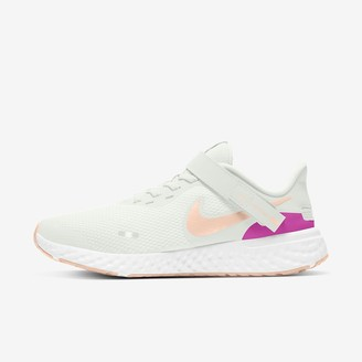 Nike Women's Running Shoe Revolution 5 FlyEase