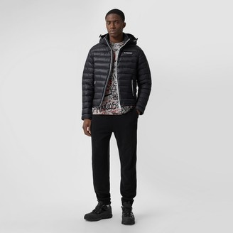 Burberry Detachabe Hood ogo Appique Puffer Jacket