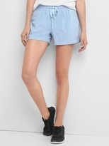 Gap GapFit pleated shorts