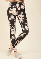 ModCloth All Kinds of Cozy Leggings in Roses in S