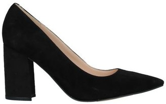 Nine West Pump