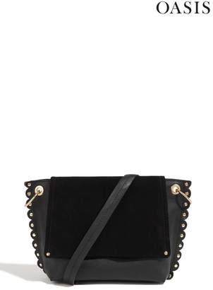 Oasis Womens Black Leather Scallop Cross Body Bag - Black