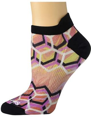 Smartwool PhD(r) Run Ultra Light Hex Print Micro (Bright Coral) Women's Crew Cut Socks Shoes
