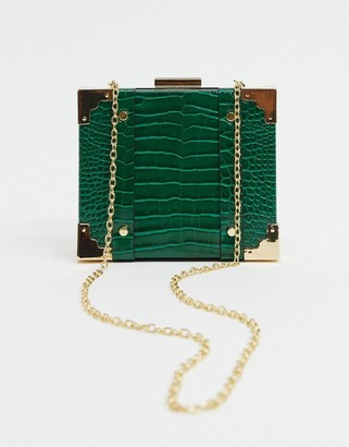 Glamorous structured boxy cross body bag with chain handle in green croc