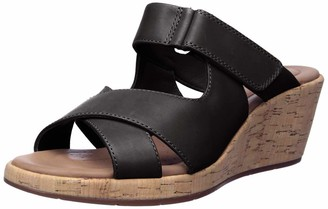 Clarks Women's Un Plaza Slide Wedge Sandal