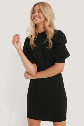 NA-KD Structured Fitted Puff Sleeve Dress