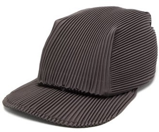 Homme Plissé Issey Miyake Flat-brim Technical-pleated Cap - Mens - Grey