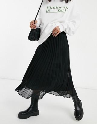 Monki Laura pleated midi skirt in black