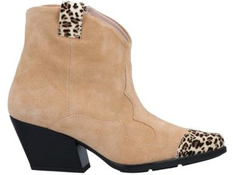 Tosca Ankle boots