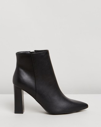 Spurr Siera Ankle Boots