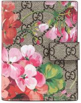 Gucci Blooms Print Gg Supreme Passport Holder
