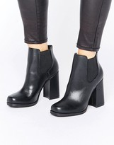 New Look Flared Heel Chelsea Boots