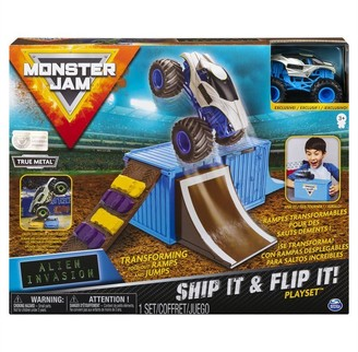 Monster Jam Ship It & Flip It Transforming Playset with Exclusive 1:64 Scale Die-Cast Monster Jam Truck