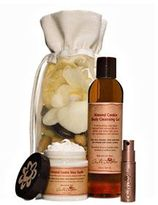 """Carol's Daughter an almond cookie moment"""" gift set"""
