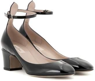 Valentino Garavani Tan-go patent leather pumps