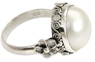 Novica Handmade Vintage Style Antique Romantic Freshwater Pearl Ring