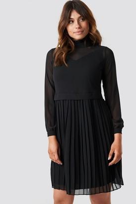 Trendyol Pleated Midi Dress Black