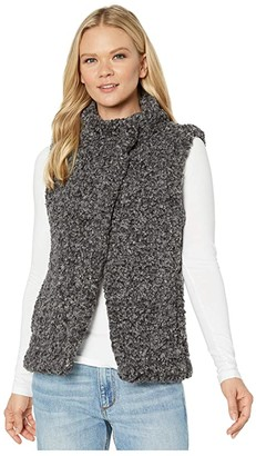 True Grit Dylan by Faux-Shearling Pile Cozy Vest with Soft Knit Lining (Charcoal) Women's Clothing