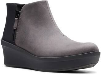 Clarks Step Rose Up Boot