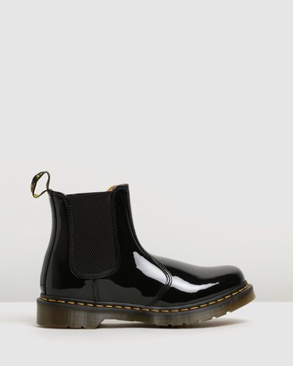 Dr. Martens Womens 2976 Patent Leather Chelsea Boots