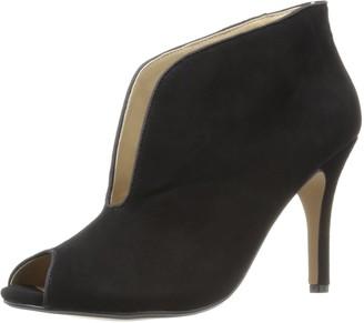 Adrienne Vittadini Footwear Women's Grandeur Ankle Bootie