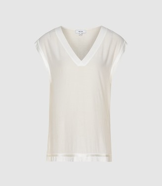 Reiss Lexi - Woven Front V-neck T-shirt in Ivory