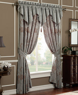 Waterford CLOSEOUT! Bedding, Dianthus Pole Top Panel