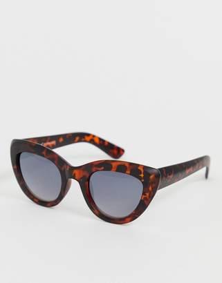 A. J. Morgan Aj Morgan AJ Morgan cat eye sunglasses in red leopard print-Multi