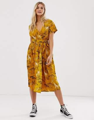 Influence midi wrap dress in safari print-Yellow