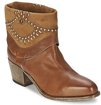 VIC AGAVE women's Low Ankle Boots in Brown