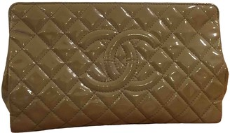 Chanel Camel Patent leather Clutch bags