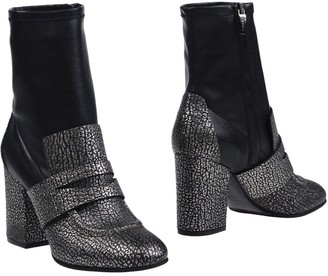 Grey Mer Ankle boots