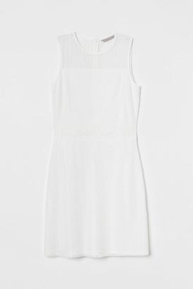 H&M Sleeveless Lace Dress