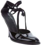 Archive Shifted heel shoe