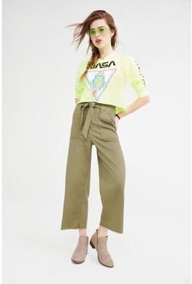 No Boundaries Juniors' Wide Leg Paperbag Pants with Self-Tie Belt