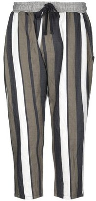 DARK LABEL 3/4-length trousers
