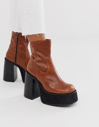 Kaltur tan chunky platform boots