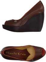 Manila Grace Pumps