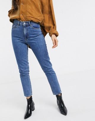 Vero Moda high waist mom jean in blue
